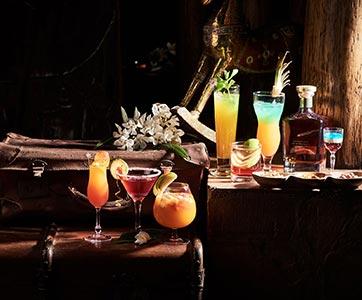 Hemingways Lounge  Bar